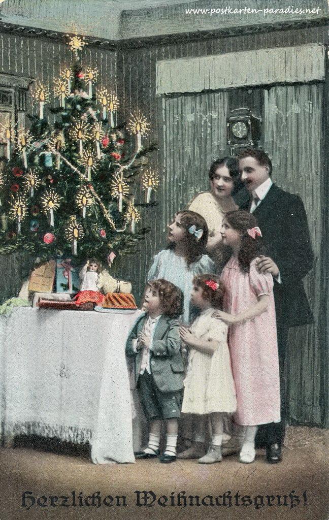 alte weihnachtskarten mit frauen m dchen familien alte. Black Bedroom Furniture Sets. Home Design Ideas