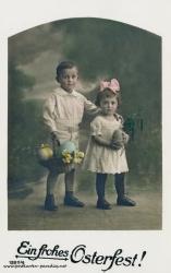 Osterkarte Junge Mädchen Osterei