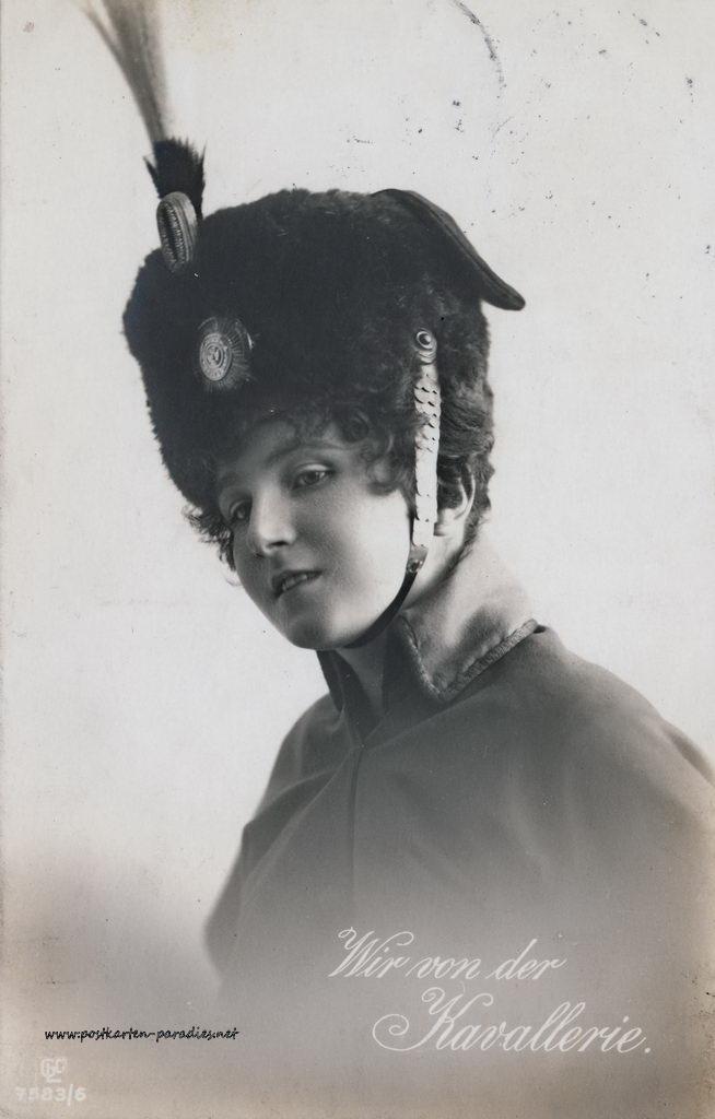 1. Weltkrieg, Frau, Porträt, Uniform, Kavallerie, 1916